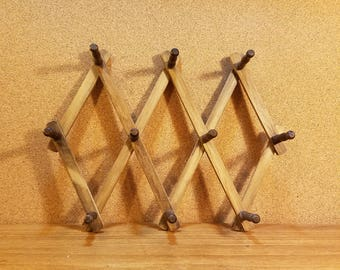 Vintage Wooden Peg Accordion Coat Rack Folding Wall Hanging Jewelry Holder