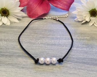 Three Pearl Choker: Black Leather Necklace with Silver Chain and Clasp