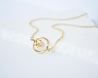 Circle Necklace, Flower Necklace, Dainty Gold Necklace, Charm necklace, Gold Necklace, Gold circle Necklace, Simple necklace