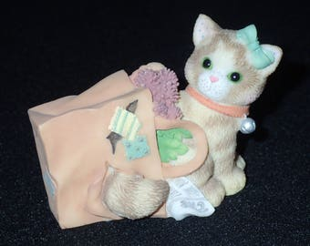 Enesco Calico Kittens 1998 Happiness Doesn't Fit In A Shopping Bag Figurine