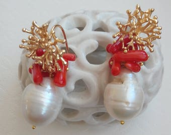 Earrings with coral and baroque pearls