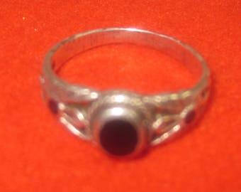 P-12 Vintage 925  silver ring size  8 black onyx stone