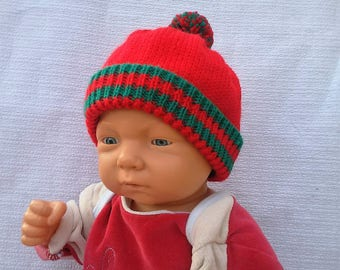 Hand knitted Christmas hat size 3/6 month green and Red