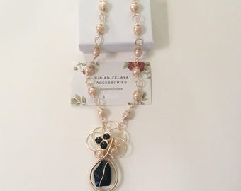 Short freshwater pearl necklace set.