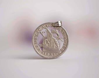 Portugal Cut Coin Necklace. 2.5 Escudos, 1984. Caravel