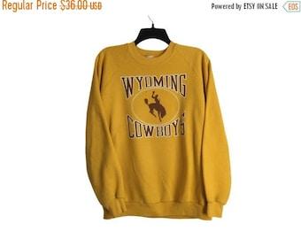 SALE Vintage Wyoming Cowboys University of Wyoming Brown and Gold Crewneck Sweatshirt Large/X-Large FREE Shipping!