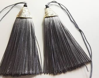 5 pcs grey Tassels , Mala Tassels , tassel charms, jewelry tassels ,Decorative Tassels ,Antique Silver Cap Silk Tassels Charm