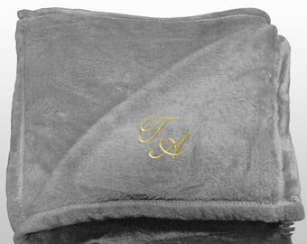 Personalized Multi-use Polar Sofa Bed Travel Fleece Blanket with Monogram - Ref. Dulcelina - Grey