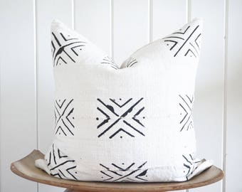 African Mudcloth White Black Pillow Cover Tribal Boho with 100% Belgian Linen Backing Exposed Gold Zipper