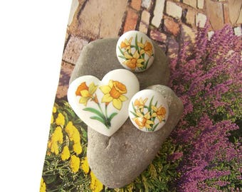 Vintage Avon Ceramic Porcelain Heart Shaped Brooch Hand Painted Pin and Earring set, Porcelain Jewelry, Avon Jewelry, Jewelry sets, Hearts
