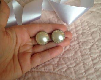Hong Kong Earrings - Vintage Hong Kong Earrings - Hong Kong Jewelry - Hong Kong Jewellery - Pearl Earrings - Clip on Earrings - Clip Earring
