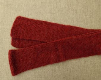 Red qiviut scarf in wave stitch