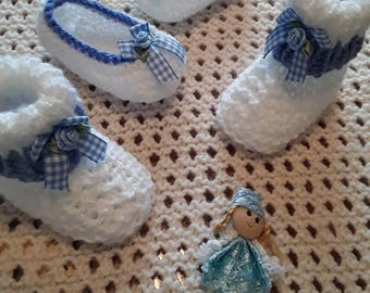Hand knitted shoes and boots 0-3 months