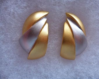 Vintage Retro Modernist Signed Lee Wolfe Clip On Earrings Gold and Silver Tone
