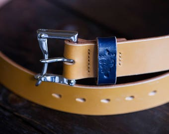 """1.5"""" London Tan Sedgwick Bridle Quick Release Belt with Nickel Plated Brass Buckle and Wide Navy Keeper"""