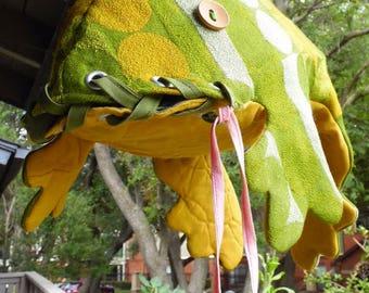 Frog Handbag -- Green & Yellow
