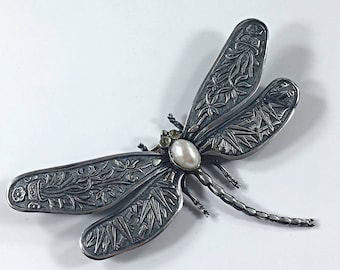 Dragonfly Brooch Pin Size Large Sterling Silver Vintage Dragonfly Jewelry Insect Jewelry Statement Jewelry Bug Jewelry Peridot Pearl Jewelry