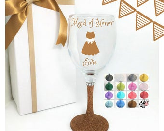 Maid of honor gift sister, bridesmaid gifts wine glasses, bridesmaid wine glasses, bridesmaid presents, bridal party wine glasses