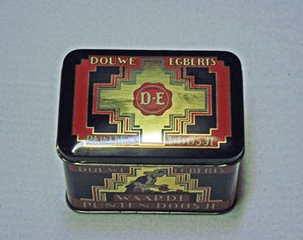 Old tin can (Douwe Egberts) about 12x8x8,5 cm