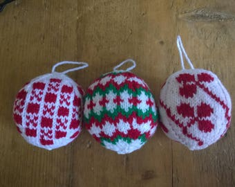 Set of 3 hand made knitted christmas tree decorations. Knitted baubles or hanging ornaments.