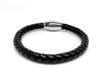 Men's Jewellery Black Leather Bracelet with Stainless Steel Design and magnetic closure - Italian design. Gift box included. Birthday gifts
