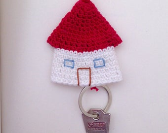 Keychain with crochet cottage