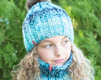 Knit blue hat / Knit cowl / Pom pom hat / Winter hat / Knit cowl scarf / Chunky knit cowl /  Knitted cowl / Knitted hat / Chunky knit hat