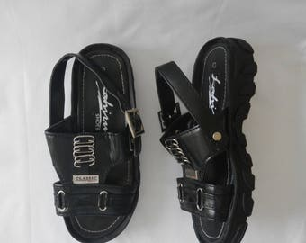 80s 90s Grunge Buckled Wedged Black Chain Sandles