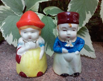 Vintage made in Occupied Japan, Dutch/Swedish couple Salt & Pepper Shakers.