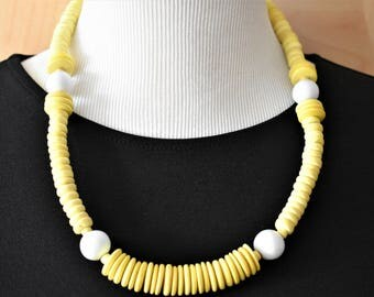"Vintage Yellow Chunky Graduated Heishi Beaded Statement Necklace 24"" Ethnic Boho Chic Retro Costume Jewelry"