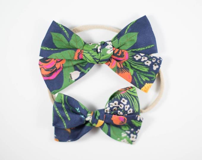 Sloane bow || navy garden