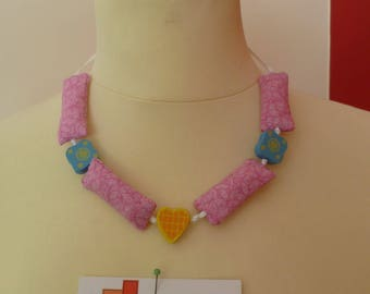 COLLAR FABRIC AND WOOD BEADS