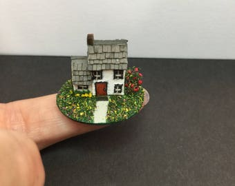 Miniature micro scale dolls house for a dollhouse scene diorama for 1/12 1/24 1/48th scale house