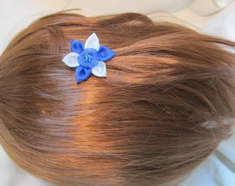 Small hair clip with an organza flower and a Pearl heart on a silver backing