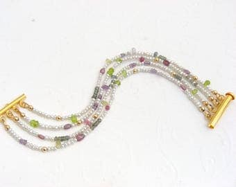 Colorful seed beads Beads Bracelet with Sapphire, spinel and Peridot, gold-plated, white freshwater pearls