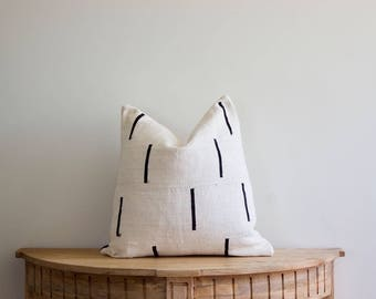 """Mudcloth Pillow Cover """"Oni"""" 18x18"""