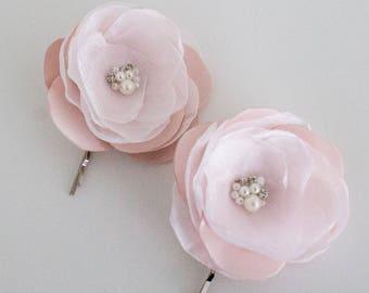 Pale pink Flowers Hair Bobby pins, Bridal Hair Pins, Bridesmaid Hairpins, Wedding hair pins, Blush pink flower , Blush pale pink flowers