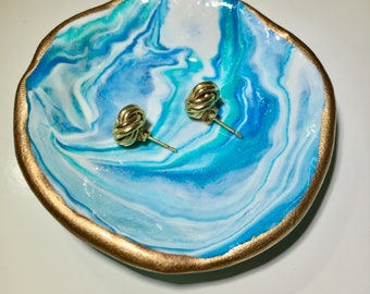 Blue geode pattern clay ring dish