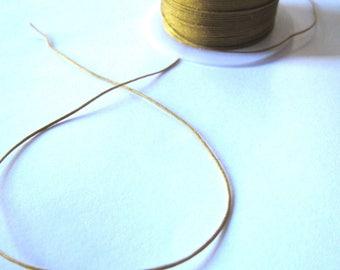 1 meter of 0.5 mm khaki nylon thread