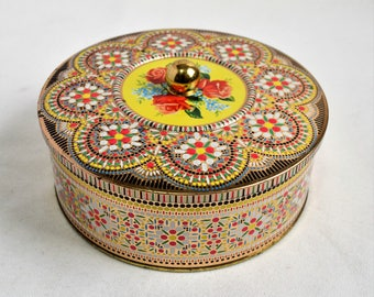 A Canister By Daher / Collectible Tea Tin made in England