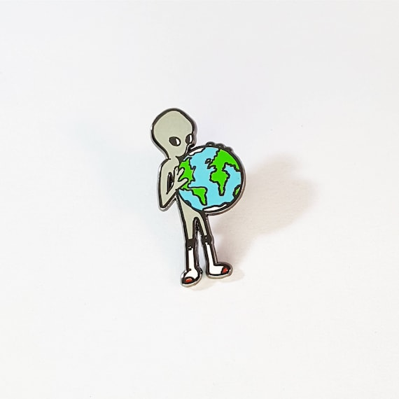 Alien pin (gray)