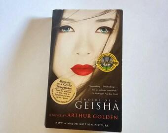 Memoirs of a Geisha by Arthur Golden  Paperback  Romance