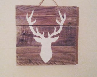 Table white stag on pallet wood (23 x 23)