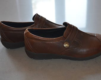 Get 15% off with code NEW15 shoes flat style moccasins/like new 90' 8W *.