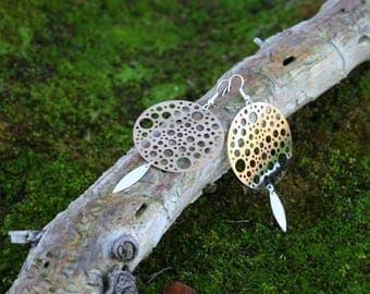 Boucles d'oreilles pendantes originales - Connecteur rond et pendentif navette argenté