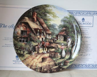 Boxed Wedgwood Country Days Plate  The Apple Pickers  Limited Edition  Excellent condition