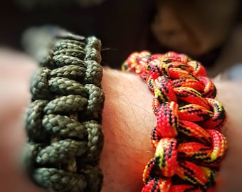 Double Paracord Bracklet (Mad Max Style)