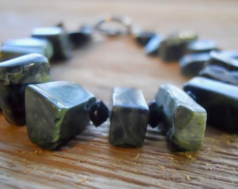 Handmade jewelry / Green and black stone bracelet
