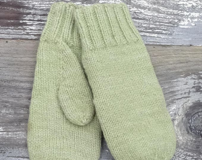 Classic 5 Needle Mittens for the Family for Knitting with worsted weight yarn