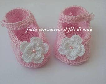 Pink knitted ballerina type shoes